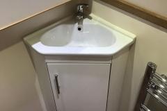 deb 5 bathroom 3