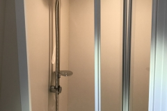 deb 5 bathroom 4