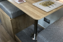 Configurable - Pullman-style dining setting