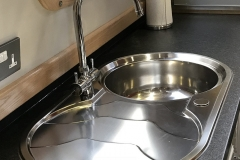 Round stainless steel sink & drainer