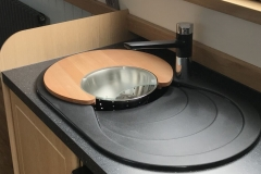 Sink & drainer with chopping board cover