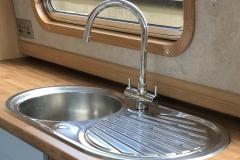 Round stainless steel sink & drainer