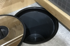 Worktop recessed waste bin